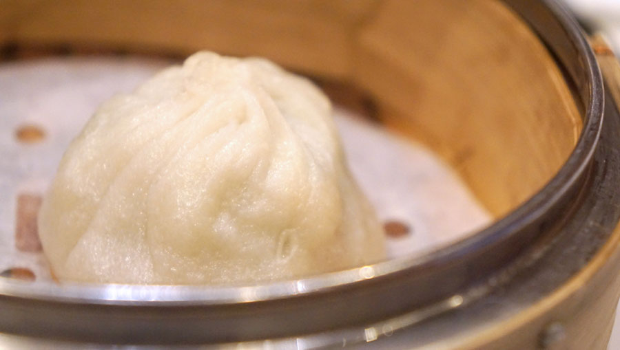 The Steamed Crab Roe with Minced Pork & Superior Soup Bun